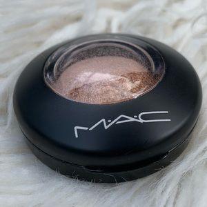Spiced Metal MAC shadow